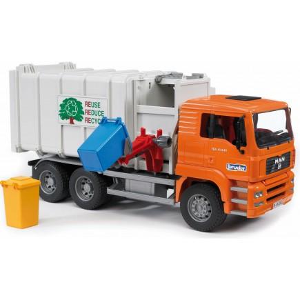 Мусоровоз MAN Bruder и набор мусорных баков 02-761 + 02-607