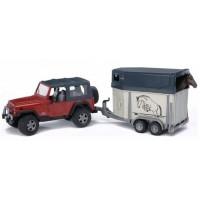 Внедорожник Jeep Wrangler Unlimited Rubicon c прицепом-коневозкой и лошадью Brud...